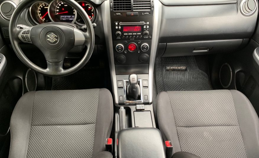 Suzuki Grand Vitara 4×4 MT 2011