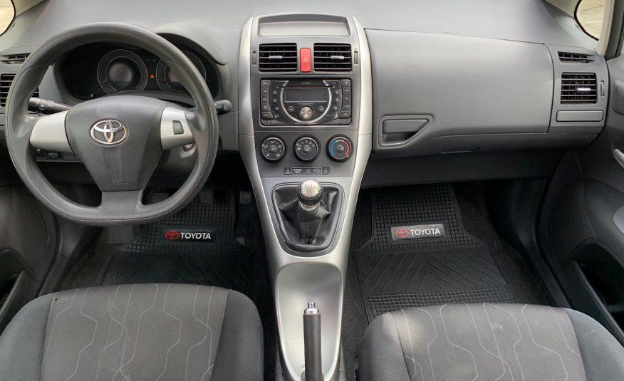 Toyota Auris 1600cc Mecanico 2011